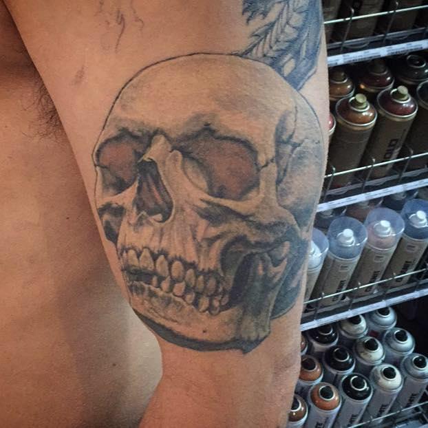 Healed Skull tattoo by Peter van der Helm