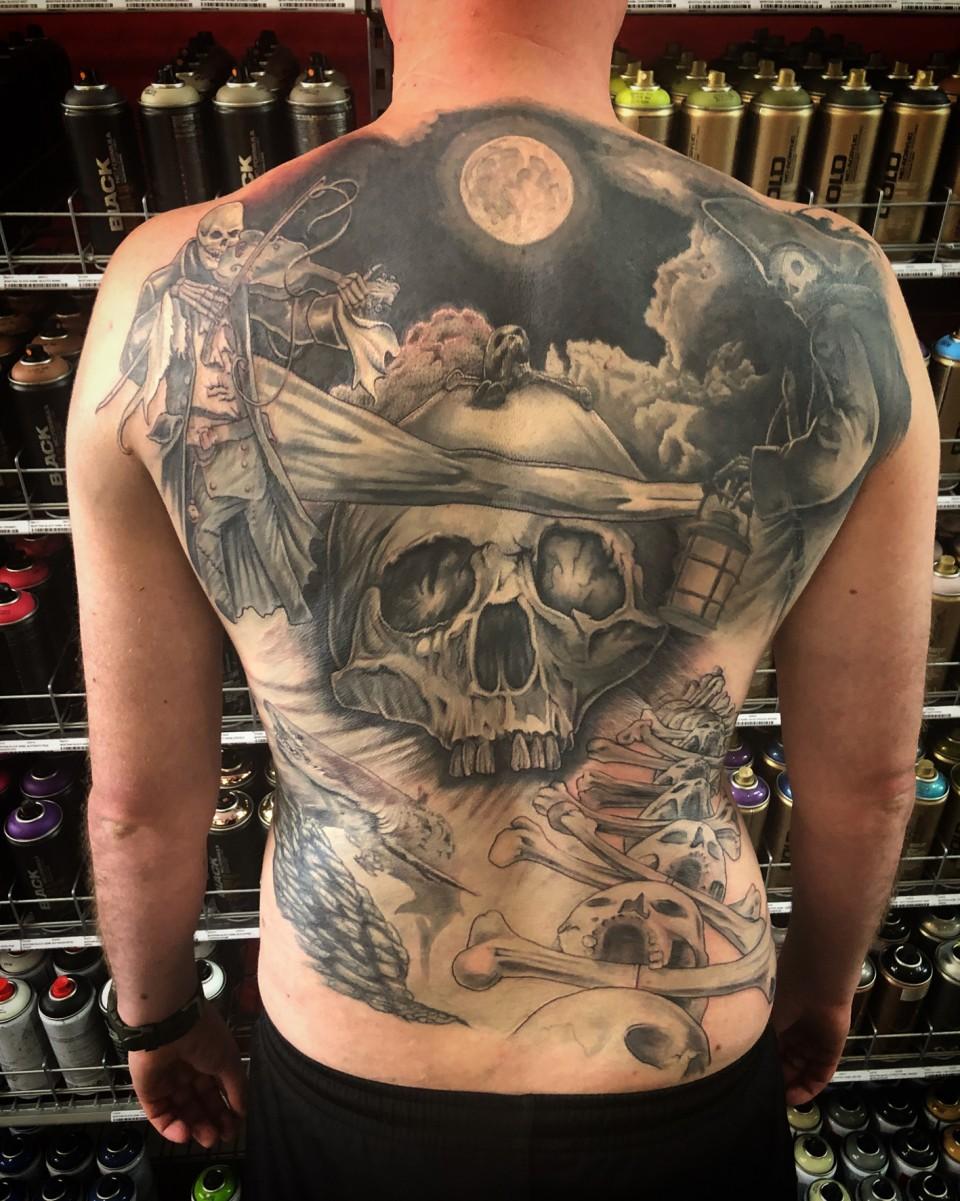 Full realistic pirate skulls backpiece tattoo